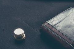 Makroaffärsplånbok och mynt Fotografering för Bildbyråer