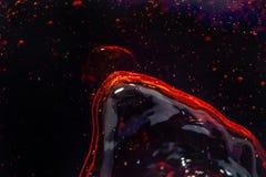 Makrobubbla och skum på glasväggen av cola Royaltyfria Bilder
