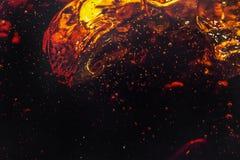 Makrobubbla och skum på glasväggen av cola Royaltyfri Bild