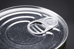 Makroen specificerar av en tincan som är bästa med, ringer handtag Arkivfoton