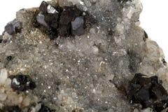 Makroen stenar mineralisk Galena på vit bakgrund arkivfoton