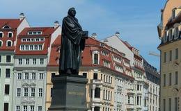Makrofoto av en monument till den Martin Luther fyrkanten i Dresden Arkivbild