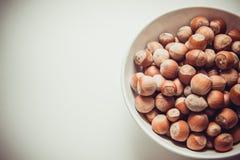Makrofoto av hasselnötter Arkivfoton