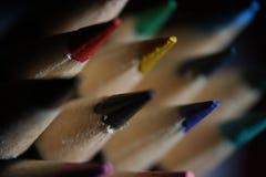 Makrofoto av kulöra blyertspennor Arkivbilder
