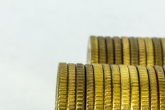 Makrofoto due pile di monete fotografia stock libera da diritti