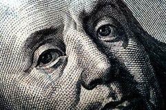 Makrofotografi ett slut upp, detalj av räkningen för dollar 100 Royaltyfria Bilder