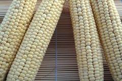 Makrohintergrundbeschaffenheit des geschmackvollen, saftigen Mais Lizenzfreie Stockfotografie