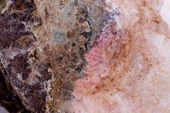 Makromineralsteinchalcedony auf einem weißen Hintergrund Lizenzfreies Stockfoto