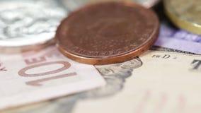 Makromynt och sedlar