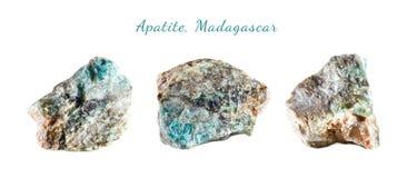 Makroschießen des natürlichen Edelsteins Roher Mineralapatit madagaskar Getrennte Nachricht auf einem weißen Hintergrund Lizenzfreie Stockbilder