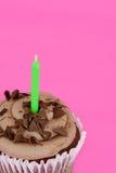 Makroschokoladenkuchenfokus auf Kuchen Stockfotos