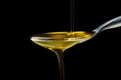 Makroschuß des Olivenöls Stockfotos