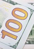 Makroschuß eines 100 US-Dollars Stockfotos