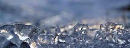 Makrostück der natürlichen Kristallschneeflocke Eis Lizenzfreies Stockbild