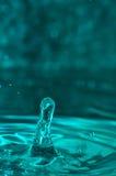 Makrovatten tappar former Fotografering för Bildbyråer