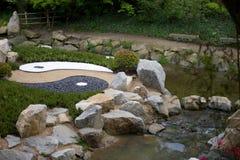 Makten av yin yang arkivbild