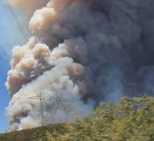 Makthusbranden ~ 2013 ~ enorma Plume Of Smoke  Royaltyfri Bild