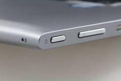 Maktknapp på bärbar datordatoren, Closeup Arkivbilder