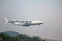 Malásia, 2016 - avião de passageiros comercial na taxação para aterrar em Kuala Lumpur International Airport Foto de Stock