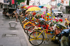 MALÁSIA, PENANG, GEORGETOWN - CERCA DO JULHO DE 2014: Coloridamente decoros Imagens de Stock
