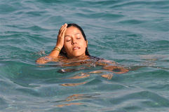 Mal de tête dans l'eau Images libres de droits