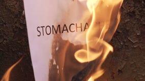 Mal di stomaco ardente di parola archivi video