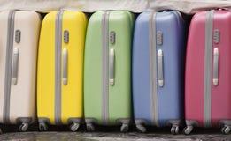Mala de viagem colorida foto de stock
