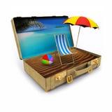 Mala de viagem do curso com cadeira e guarda-chuva de praia Fotografia de Stock Royalty Free