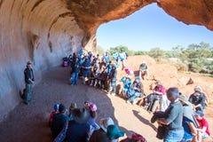 Mala spacer przy Uluru Obraz Stock