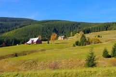Mala Upa и хаты горы в осени в гигантских горах Стоковые Фото
