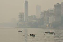 Malabar wzgórze, Mumbai, India Mgławy zanieczyszczający powietrze zdjęcia stock