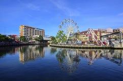 MALACCA, ΜΑΛΑΙΣΙΑ - 23 ΟΚΤΩΒΡΊΟΥ: Malacca μάτι στις τράπεζες Melaka ρ Στοκ Φωτογραφίες