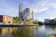 MALACCA, ΜΑΛΑΙΣΙΑ - 23 ΟΚΤΩΒΡΊΟΥ: Malacca μάτι στις τράπεζες Melaka ρ Στοκ Εικόνες