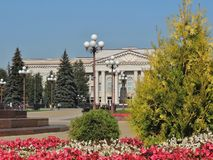 Maladzetschna, Беларусь - 09 18 2014 район перед политехническим коллежем в городе Maladzetschna, Беларуси Стоковая Фотография