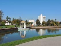 Maladzetschna, Bielorrússia - 09 18 Maladzetschna 2014 da paisagem do parque da cidade Foto de Stock