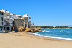 Malaespina海滩在卡莱利亚de帕拉弗鲁赫尔,西班牙 免版税库存图片