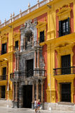 MALAGA ANDALUCIA/SPAIN - JULI 5: Barock desig för slott för biskop` s arkivfoton