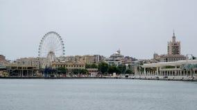 MALAGA ANDALUCIA/SPAIN - JULI 5: Sikt över hamnen till th Royaltyfria Foton