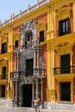MALAGA, ANDALUCIA/SPAIN - LIPIEC 5: Barokowy biskupa ` s pałac desig zdjęcia stock