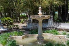 MALAGA, ANDALUCIA/SPAIN - MAJ 25: Fontanna w parku w Malaga obrazy stock