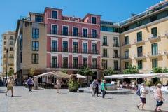 MALAGA, ANDALUCIA/SPAIN - MAJ 25: Turyści chodzi przez P obraz stock