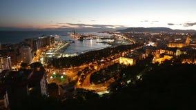 Malaga en Mediterrane haven in avond stock videobeelden