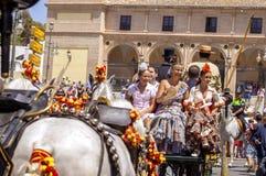 MALAGA, ESPAGNE - AOÛT, 14 : Cavaliers et chariots à Malaga Photographie stock