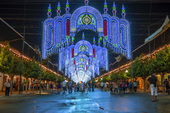 MALAGA, ESPAGNE - AOÛT, 14 : Lumières de nuit et attractions justes à Photographie stock