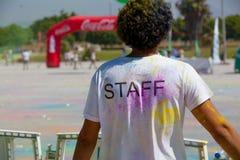 MALAGA, ESPAGNE - 4 JUIN 2017 : Les personnes non identifiées appréciant l'Unicaja colorent la route le 4 juin 2017 à Malaga, Esp Photos stock