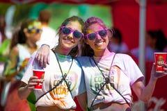 MALAGA, ESPAGNE - 4 JUIN 2017 : Les personnes non identifiées appréciant l'Unicaja colorent la route le 4 juin 2017 à Malaga, Esp Photographie stock libre de droits