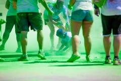 MALAGA, ESPAGNE - 4 JUIN 2017 : Les personnes non identifiées appréciant l'Unicaja colorent la route le 4 juin 2017 à Malaga, Esp Photo stock