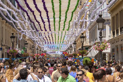 MALAGA, ESPANHA - AGOSTO, 14: Rua de Larios completamente dos povos no Imagens de Stock Royalty Free