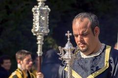 MALAGA, ESPANHA - 9 DE ABRIL: Nazarenes e músicos Semana Sa Imagens de Stock