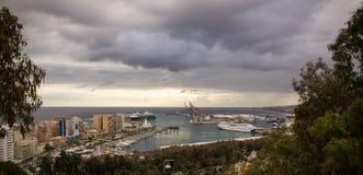 Malaga, het beeld van het havenlandschap van de hoogte stock afbeeldingen